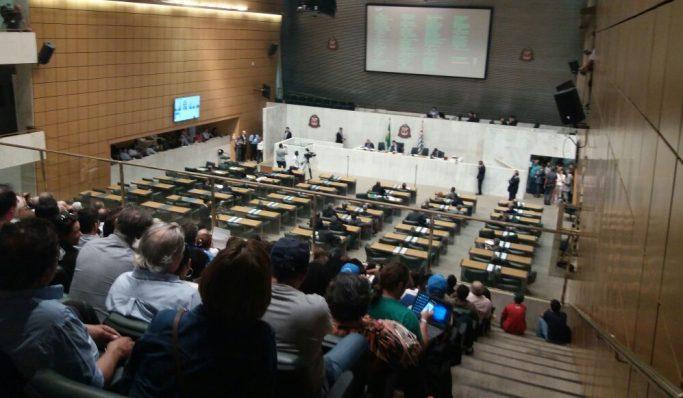 Funcionalismo mantém pressão a deputados paulistas contra PL 920, que está prestes a ser votado